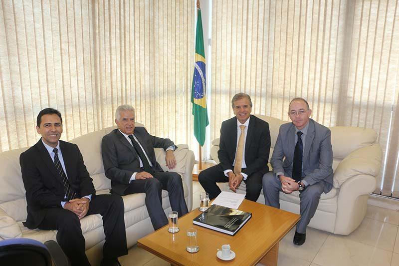 NOVA POLIGONAL: Ministro dos Portos recebe vereadores de Paranaguá